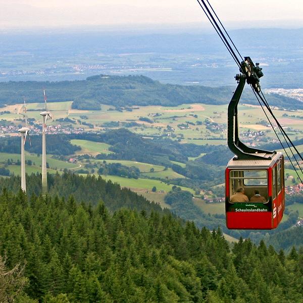 Windturbine Seilbahn